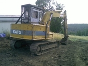12 ton excavator for sale. Good hydrolics,  tracks and runs very well..